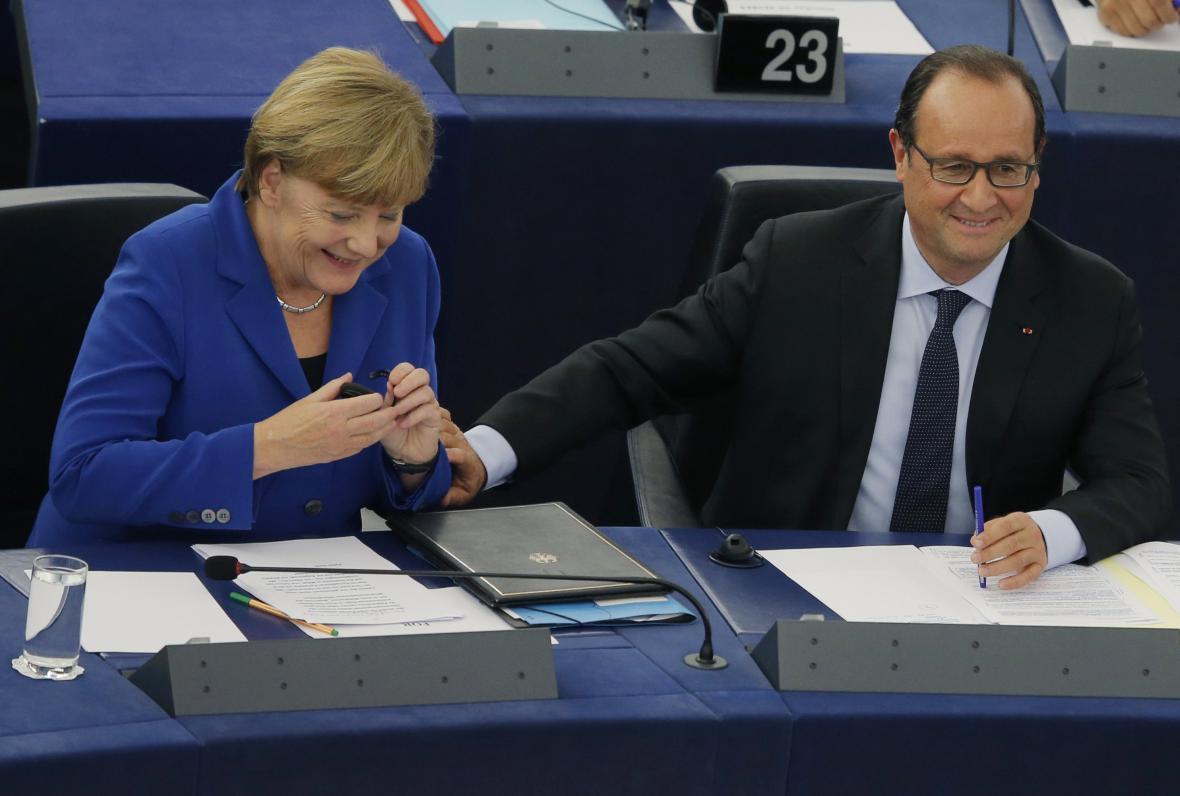 Angela Merkelová a Francois Hollande v Evropském parlamentu