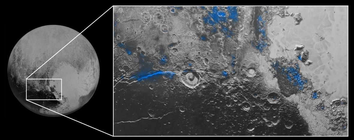 Malé ledové plochy na Plutu