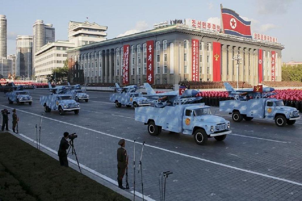 Automobily vezoucí severokorejské drony