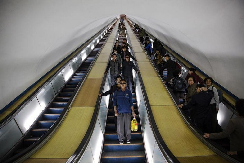 Eskalátory v severokorejském metru