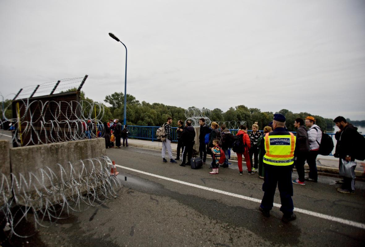 Uprchlíci u maďarského přechodu Barcs