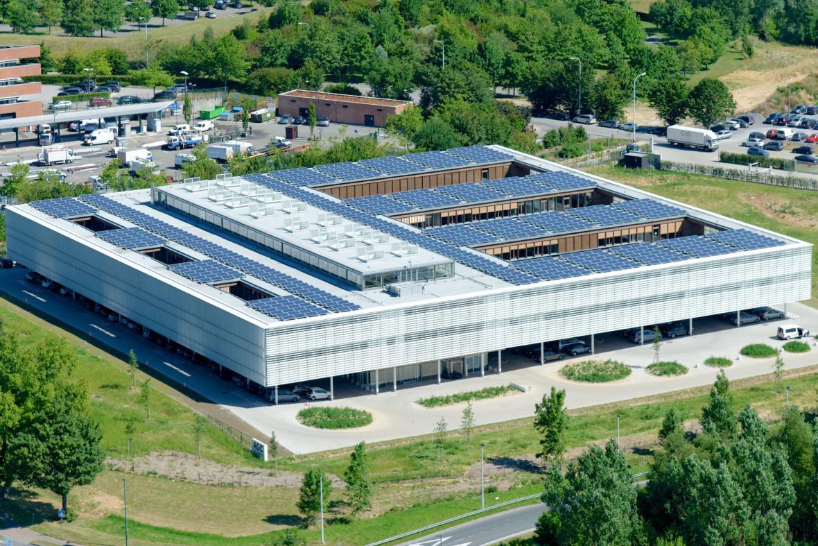Zahraniční stavba roku, AGC Glass Building
