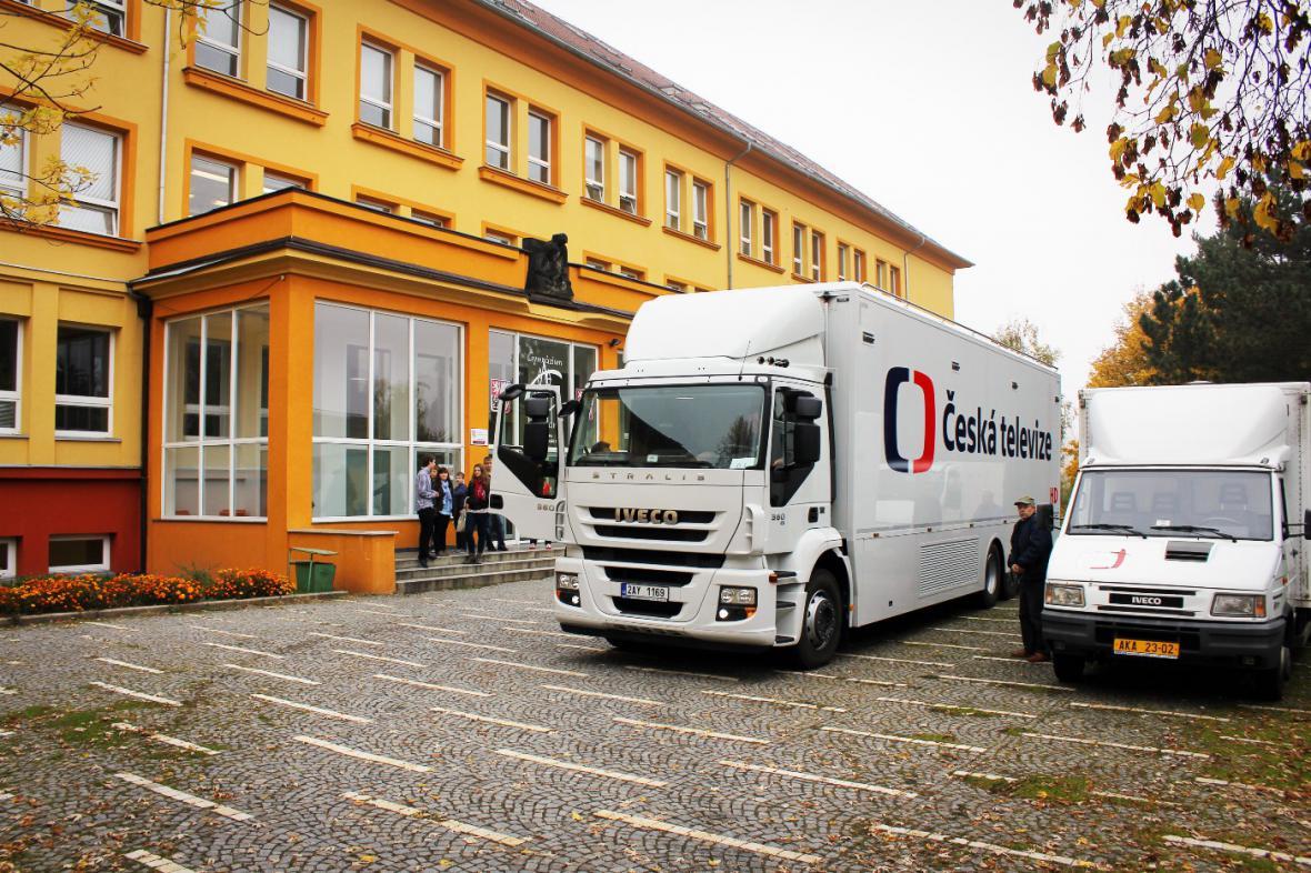 Přenosový vůz ČT na akci Jak se dělá televize v roce 2012