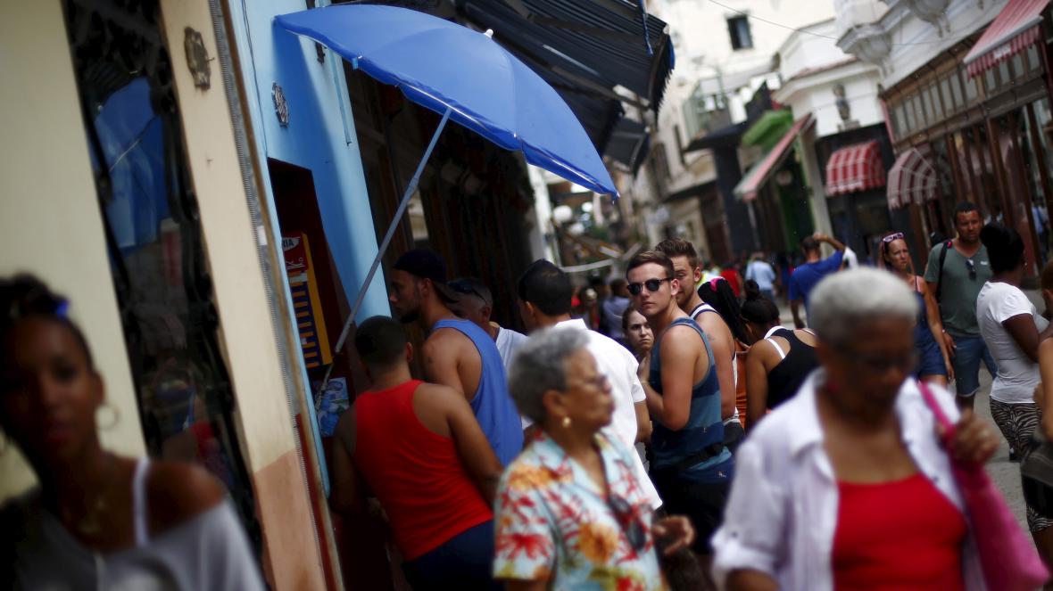 Turisté v Havaně