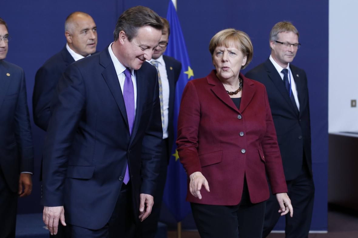 Angela Merkelová v hovoru s Davidem Cameronem