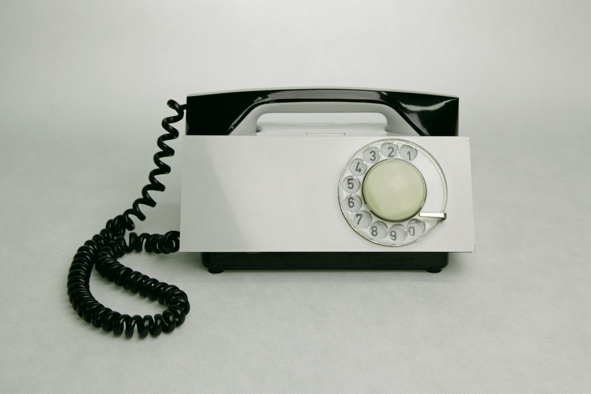 Bohumil Míra, telefonní přístroj Tesla T65 H, tzv. rakev, 1963