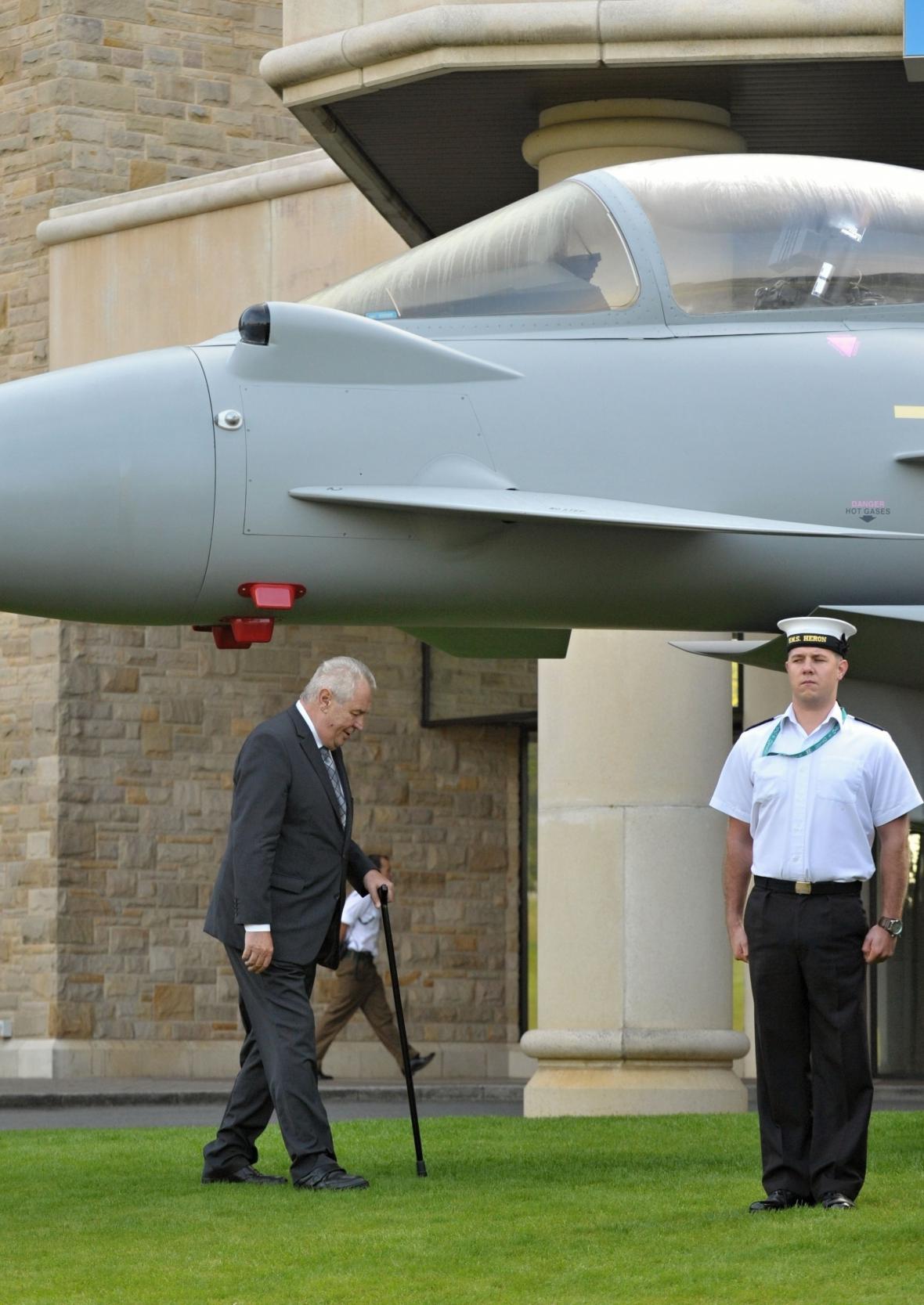 Miloš Zeman na summitu NATO v Newportu