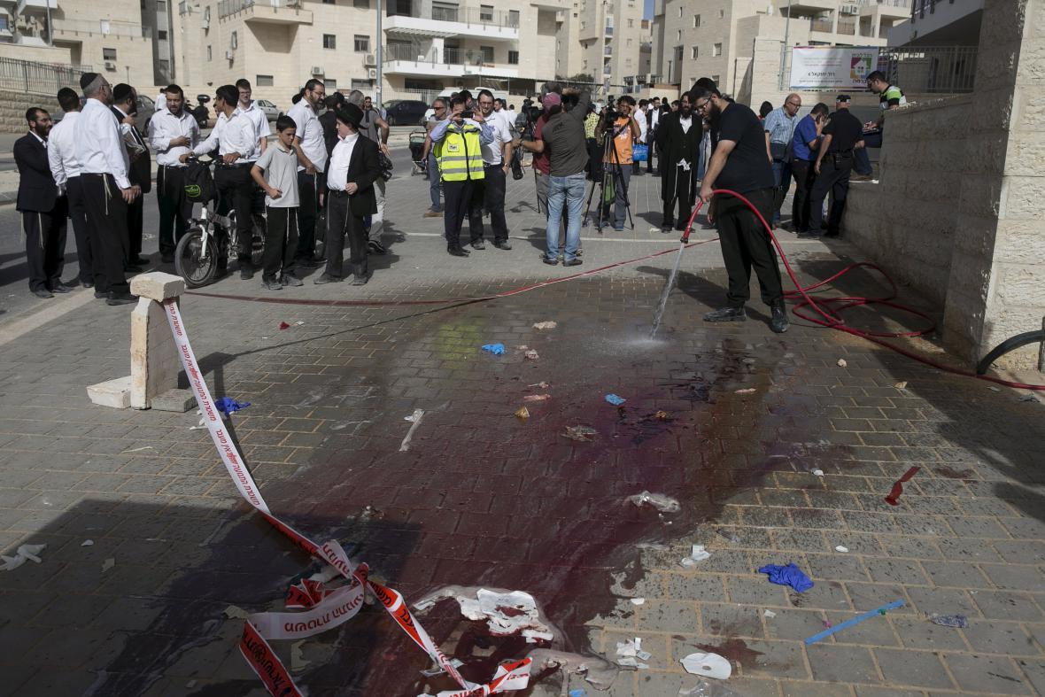 Následky atentátu v Bejt Šemeš