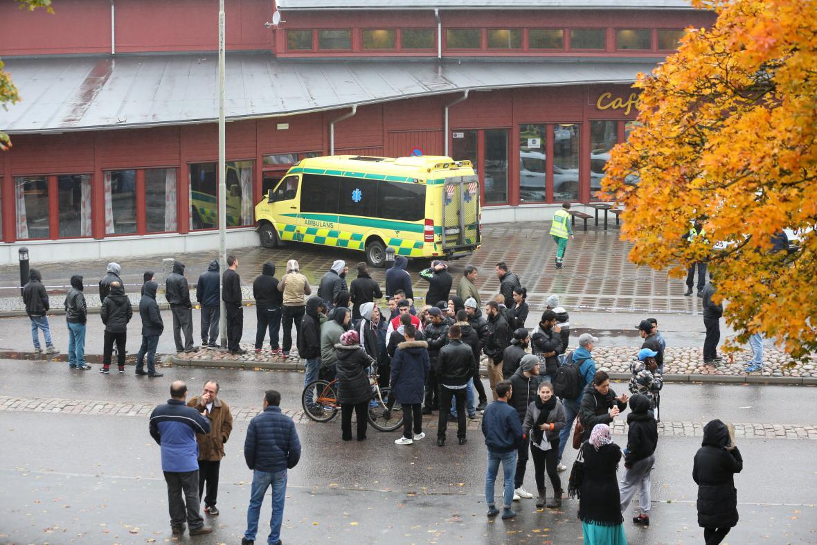 Vyšetřování atentátu ve švédské škole v Trollhättanu