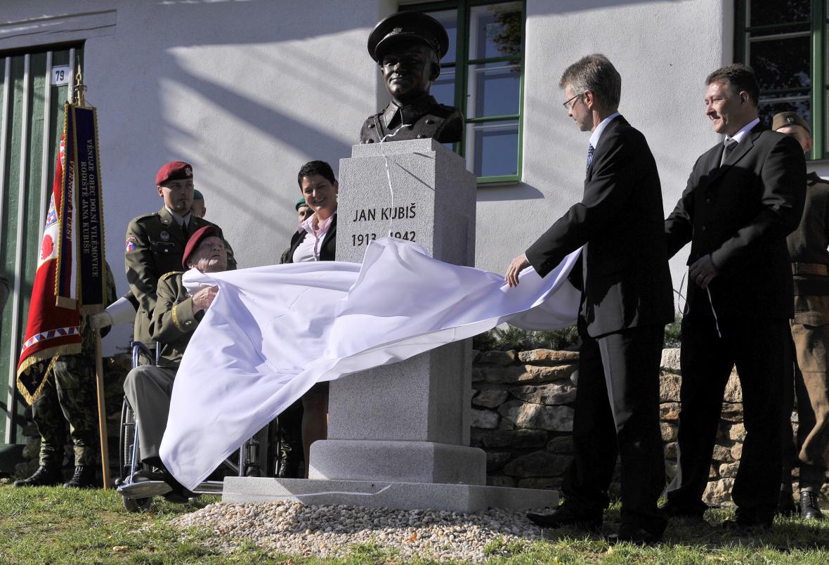 Odhalení busty Jana Kubiše