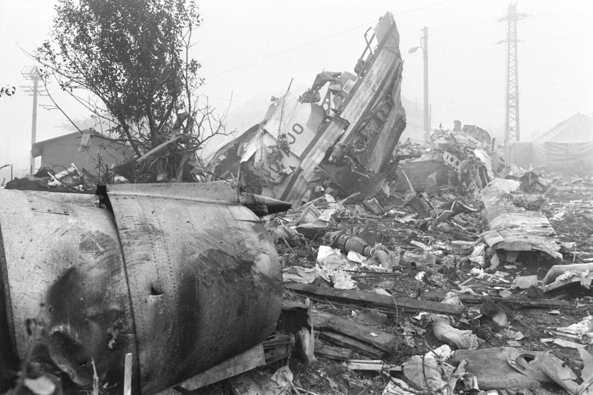 Letadlo se zřítilo 30. října 1975 do zahrádkářské kolonie