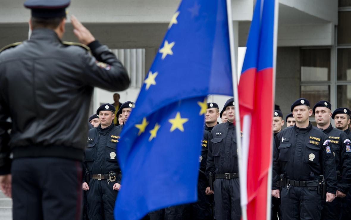 Policisté, kteří odjeli chránit maďarské hranice