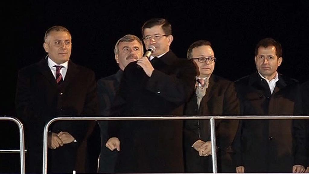 Ahmet Davutoglu po oznámení výsledků promluvil ke svým příznivcům