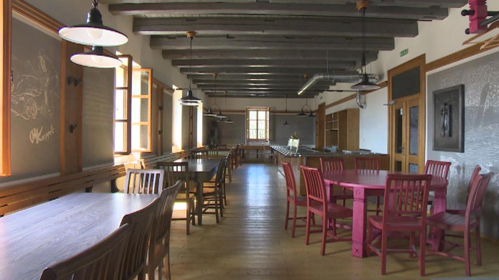 Zavřená restaurace na Březníku