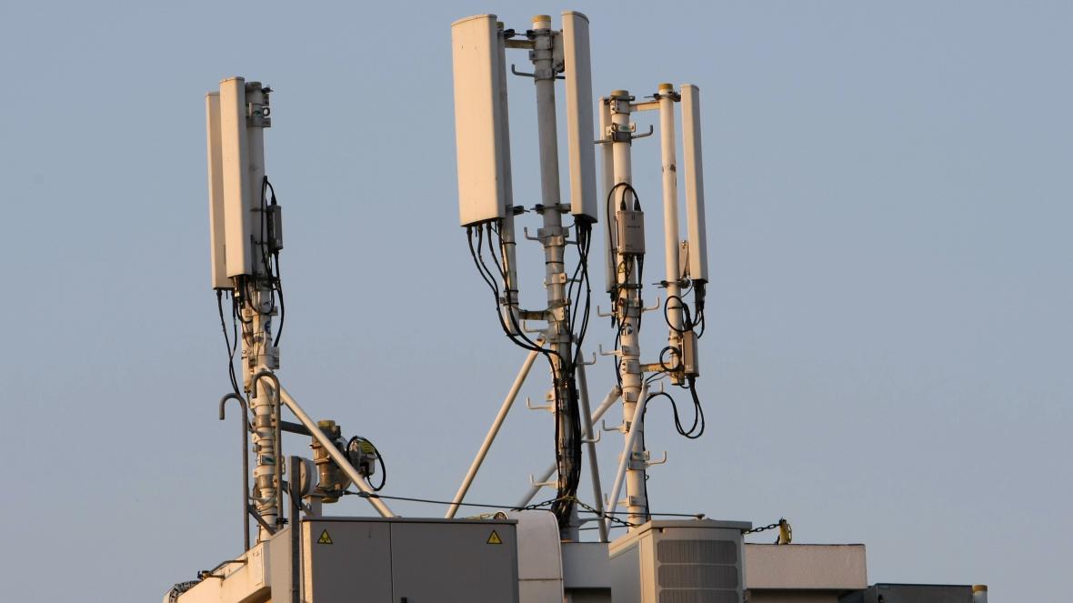 Vysílač pro mobilní signál