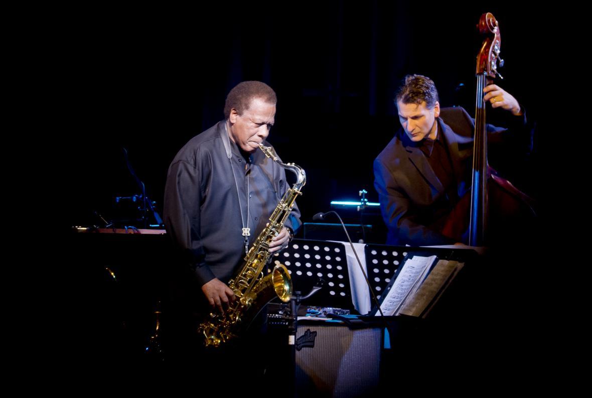 Wayne Shorter hraje na saxofon od 50. let