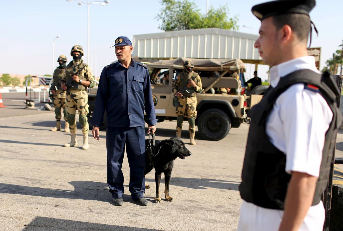 Bezpečnostní opatření na letišti v Šarm aš-Šajchu