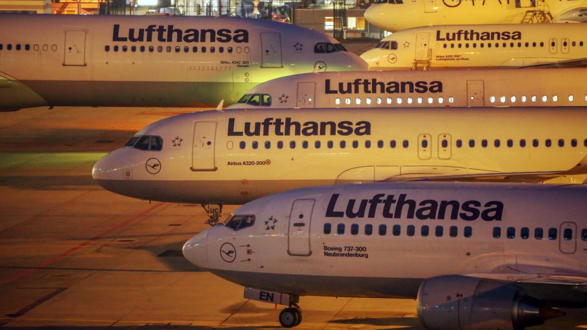 Letadla Lufthansy ve Frankfurtu nad Mohanem