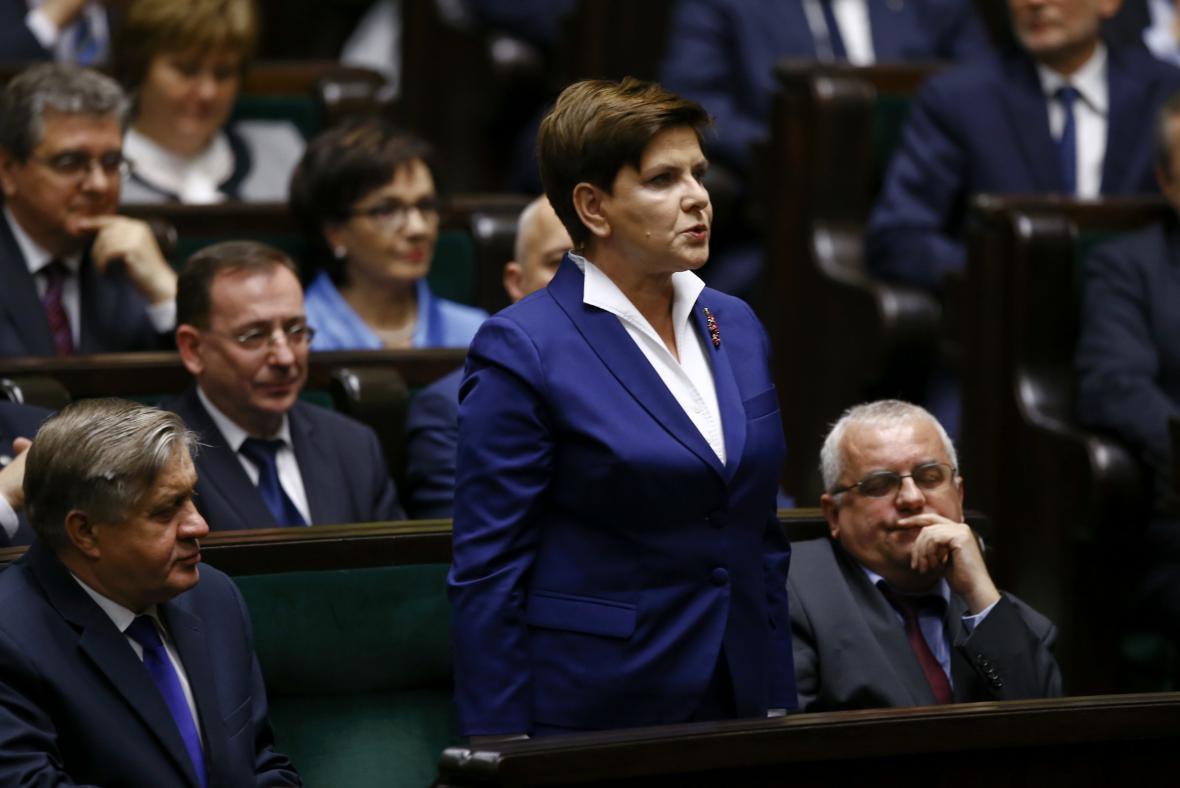 Novou polskou premiérkou se stane Beata Szydlová