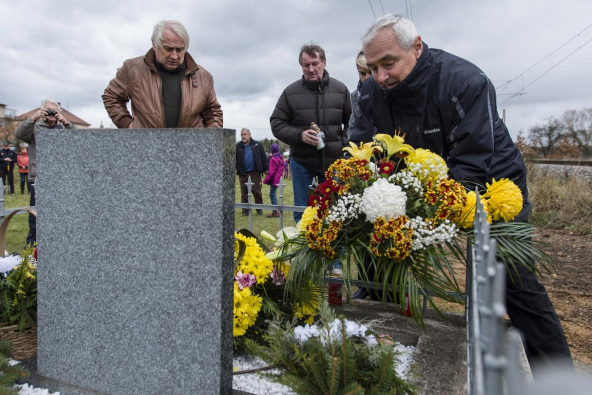 Vzpomínka na nehodu ve Stéblové