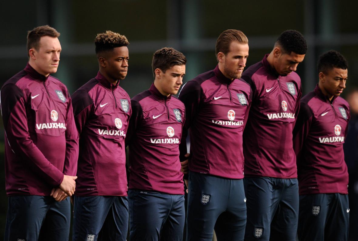 Památku obětí uctili také fotbalisté národního týmu Anglie