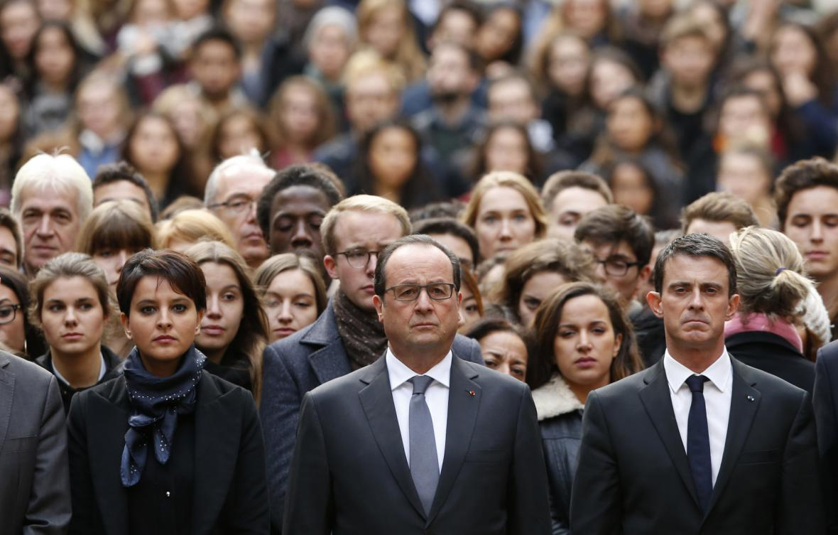Politické špičky Francie uctily památku na pařížské Sorbonně