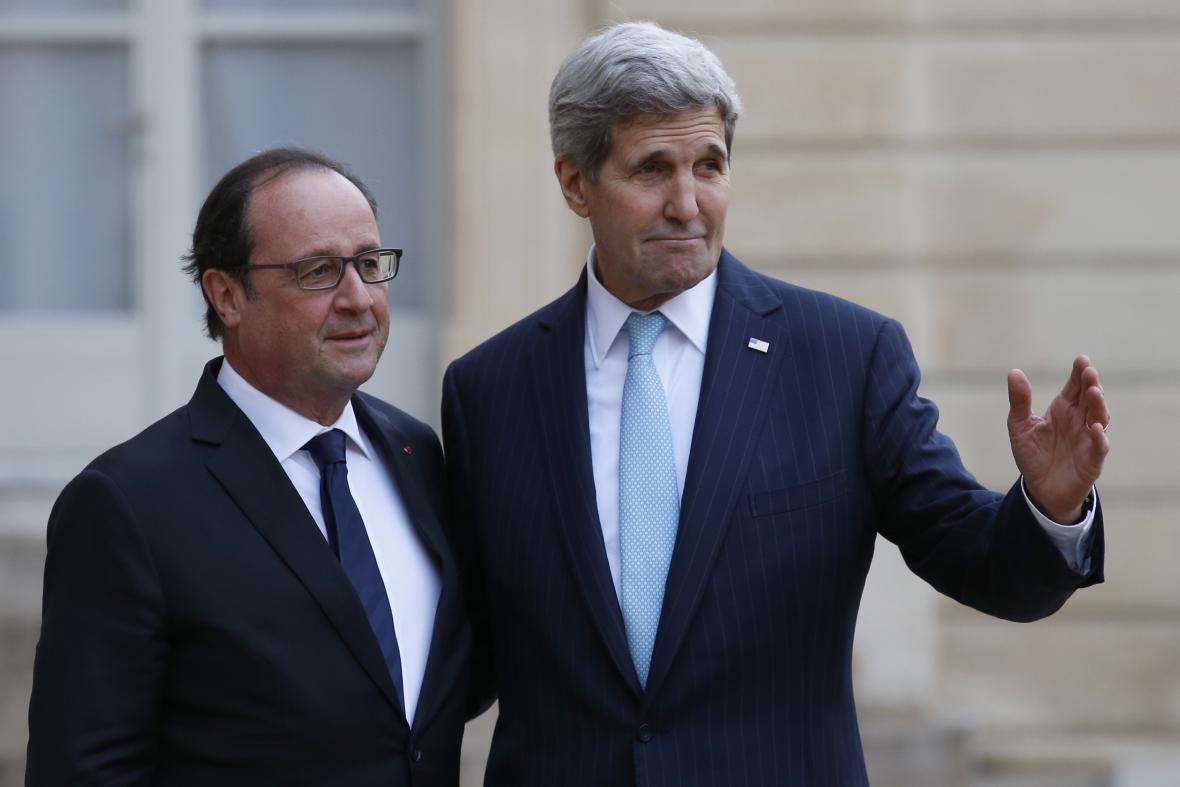 Francois Hollande a John Kerry