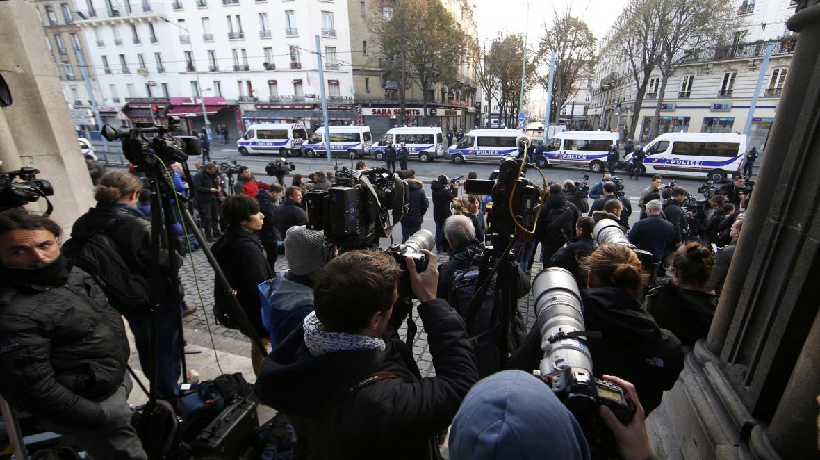 Policejní razie v Paříži