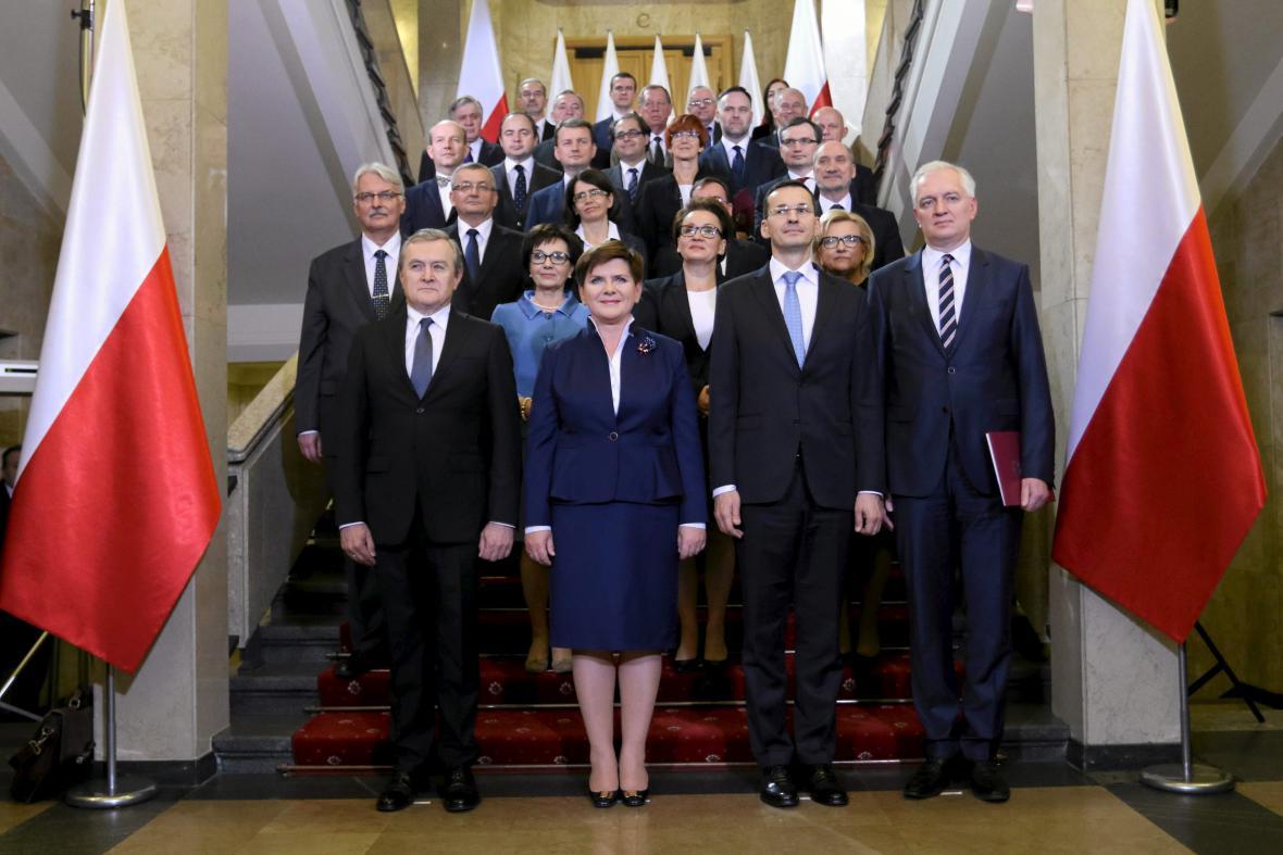 Nový polský kabinet zapózoval pro fotografy