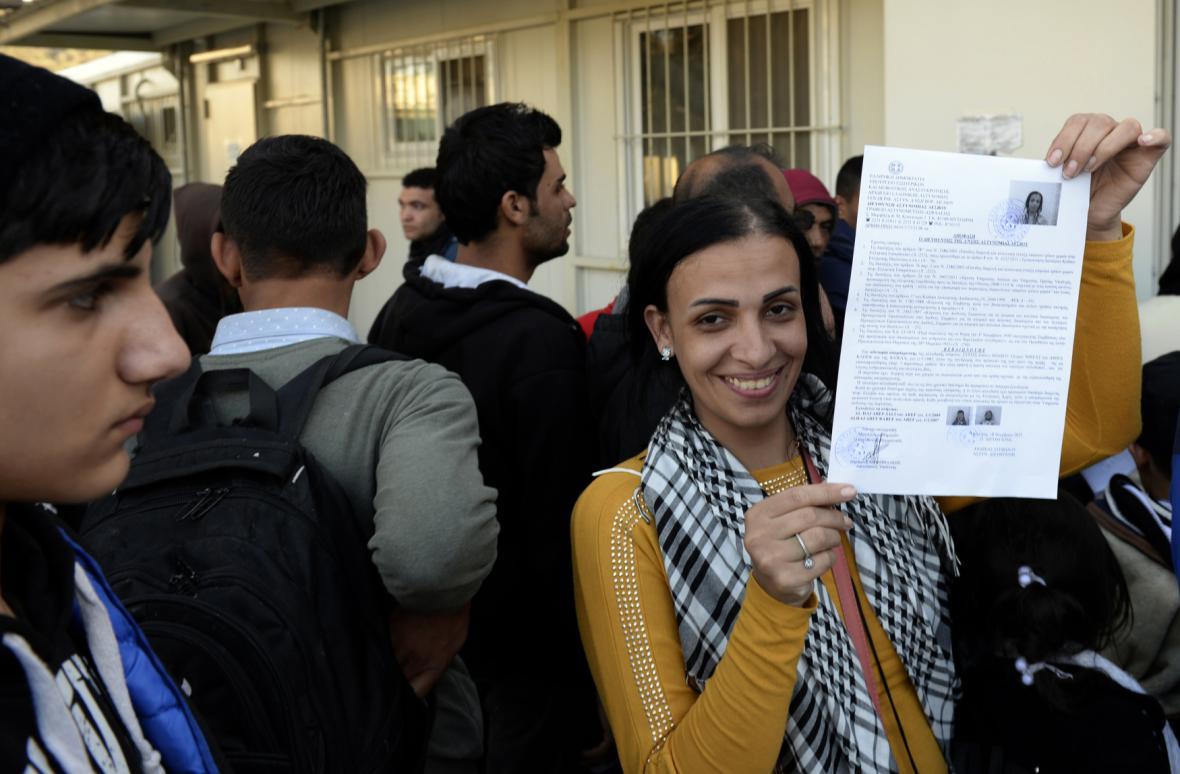 Uprchlíci se registrují v centru Moria na Lesbu