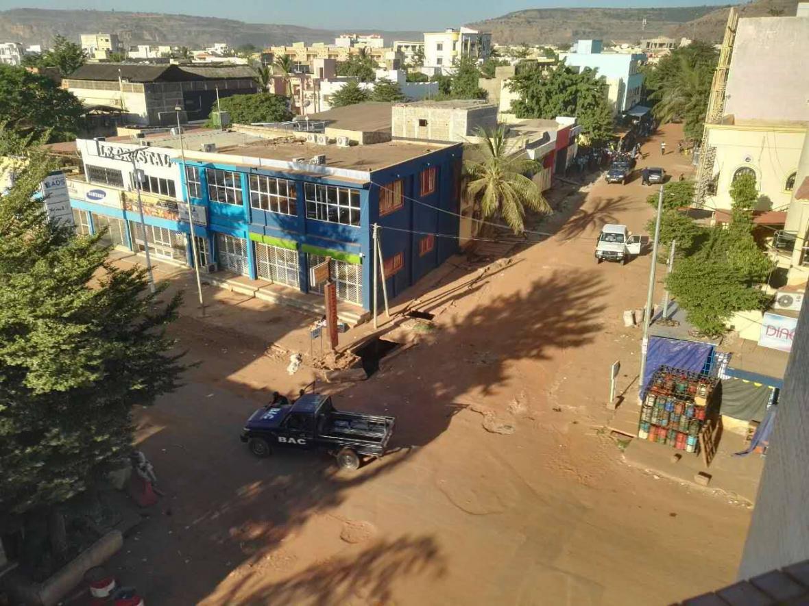 Ozbrojenci napadli hotel v Mali