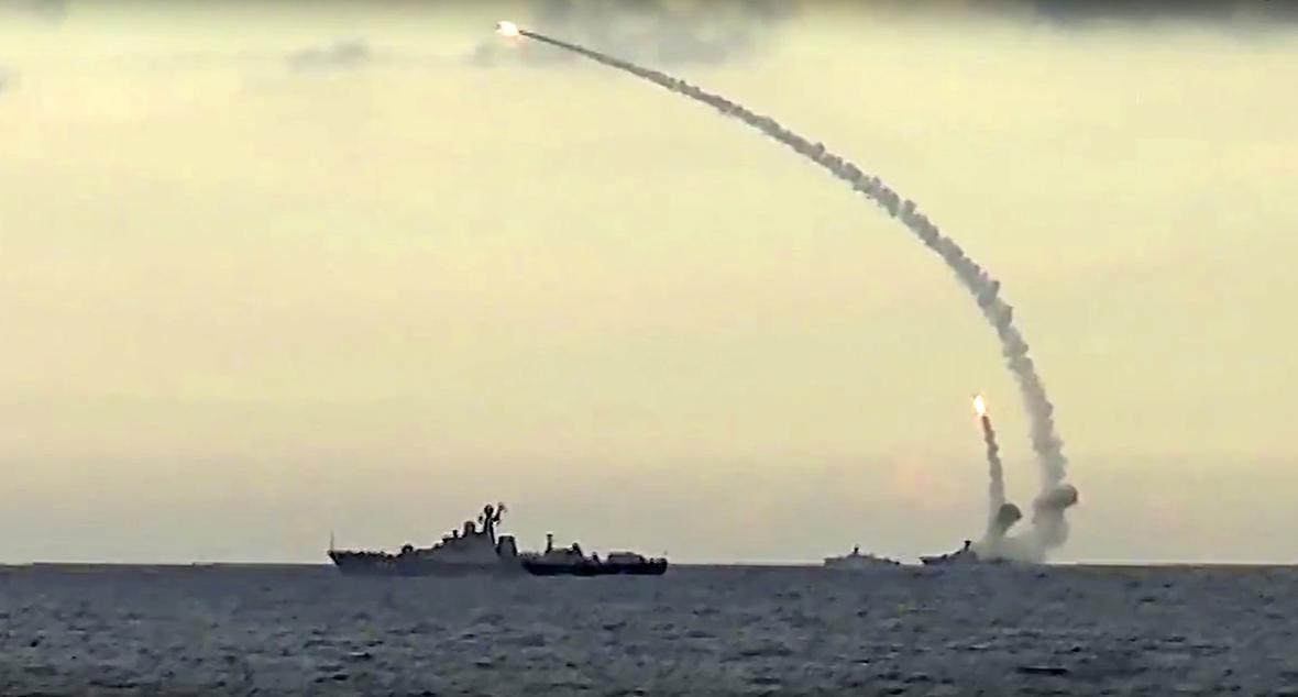 Ruský útok na pozice IS z Kaspického moře