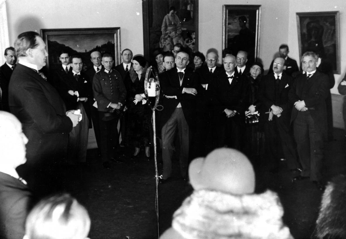 Hermann Göring při projevu na výstavě Noví italští mistři v paláci korunního prince v Berlíně, 1933