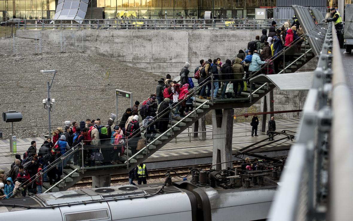 Migranti mířící z Dánska do Švédska