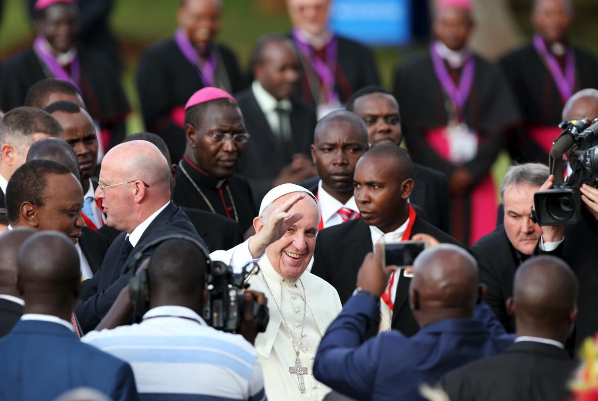 Papež František zahájil návštěvu Keni