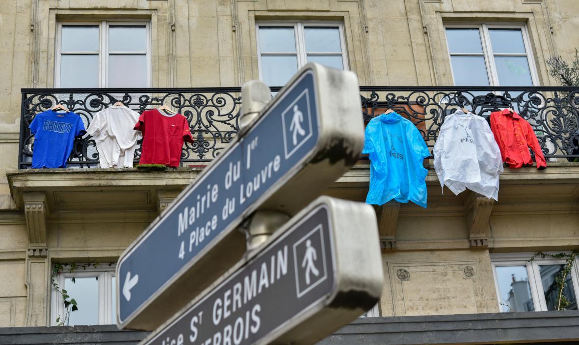 Paříž v barvách trikolory