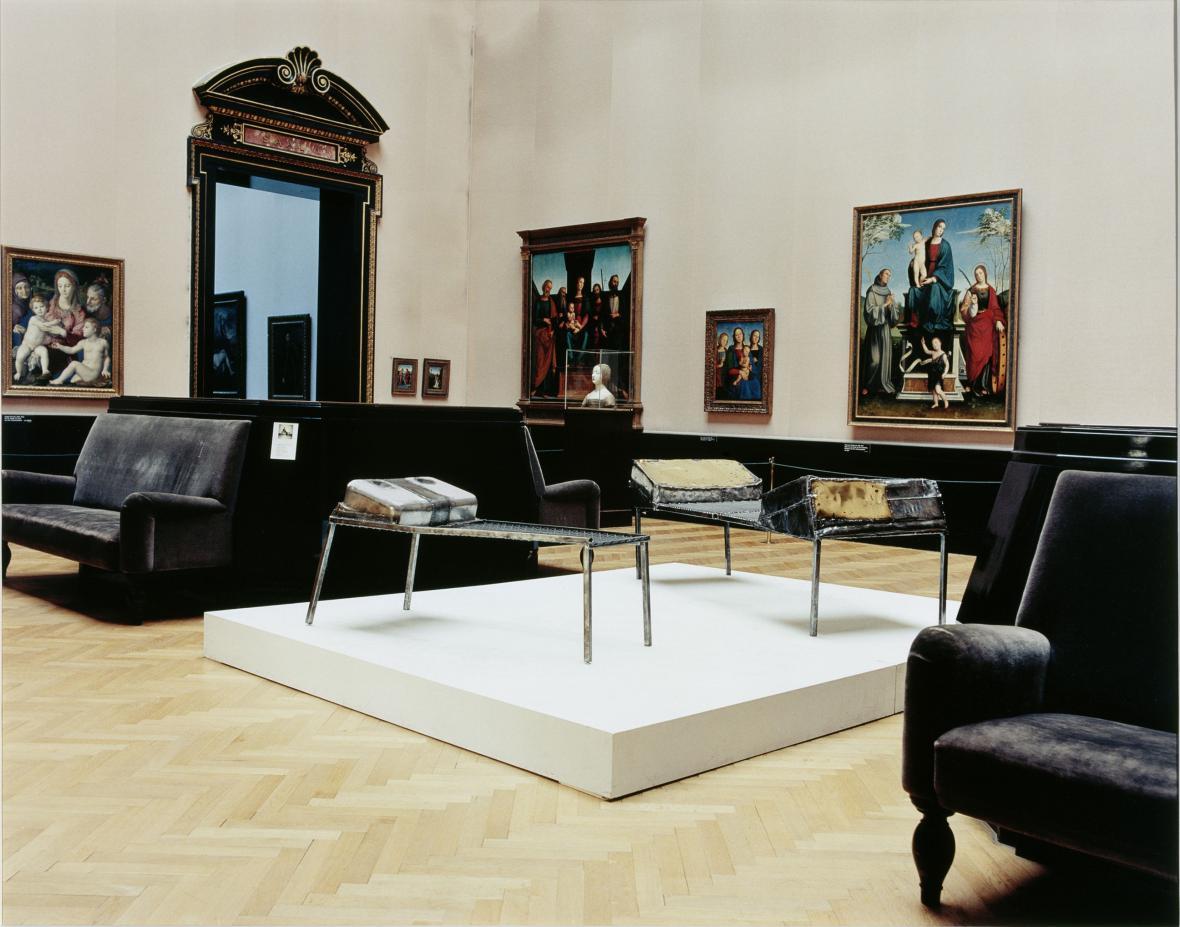 Candida Höferová / Kunsthistorické muzeum Vídeň IV (Franz West), 1990