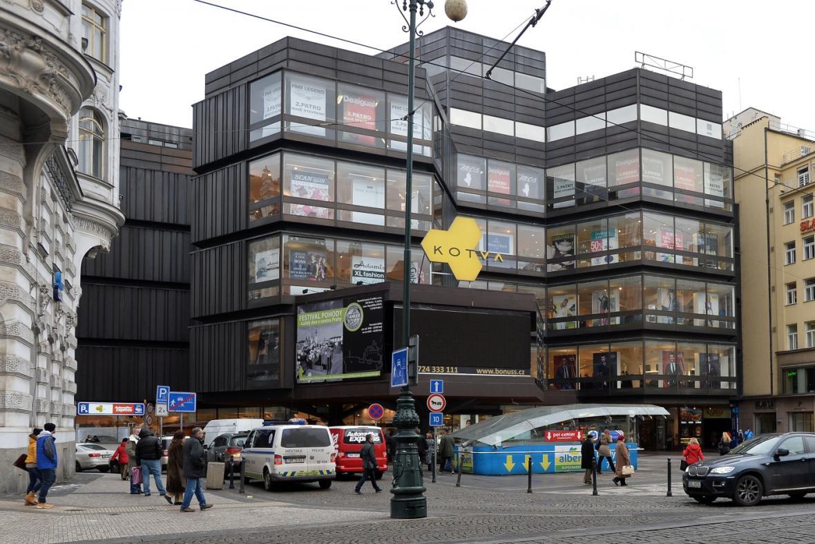 Obchodní dům Kotva na náměstí Republiky v Praze