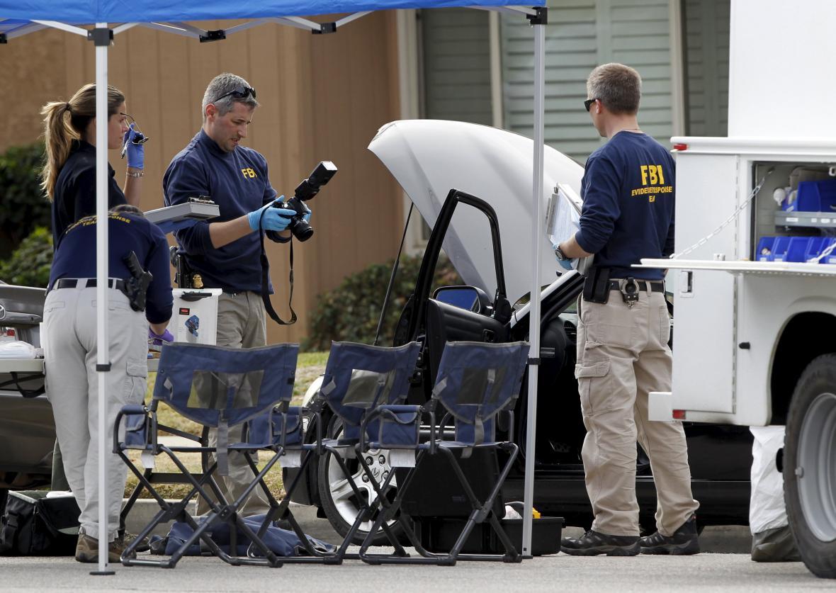 Vyšetřování masakru v San Bernardinu se ujala FBI