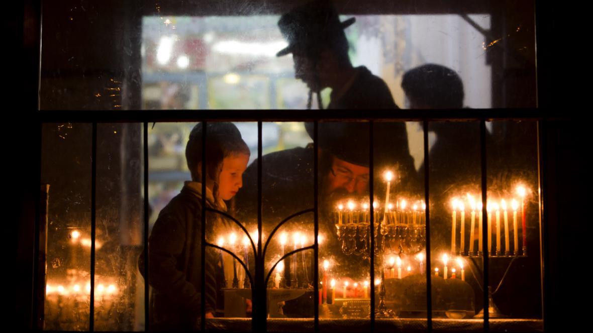 Chanuka v ultraortodoxní židovské rodině v Izraeli