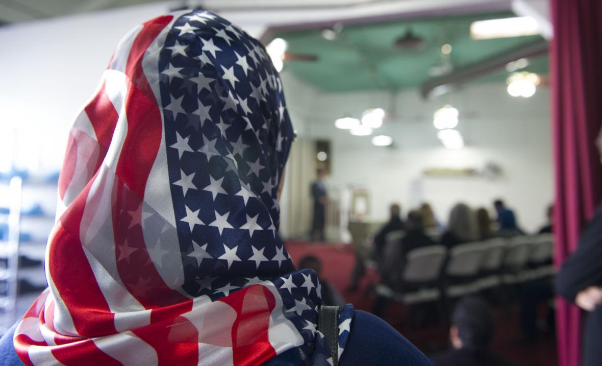 Oběti střelby oplakávají i muslimové