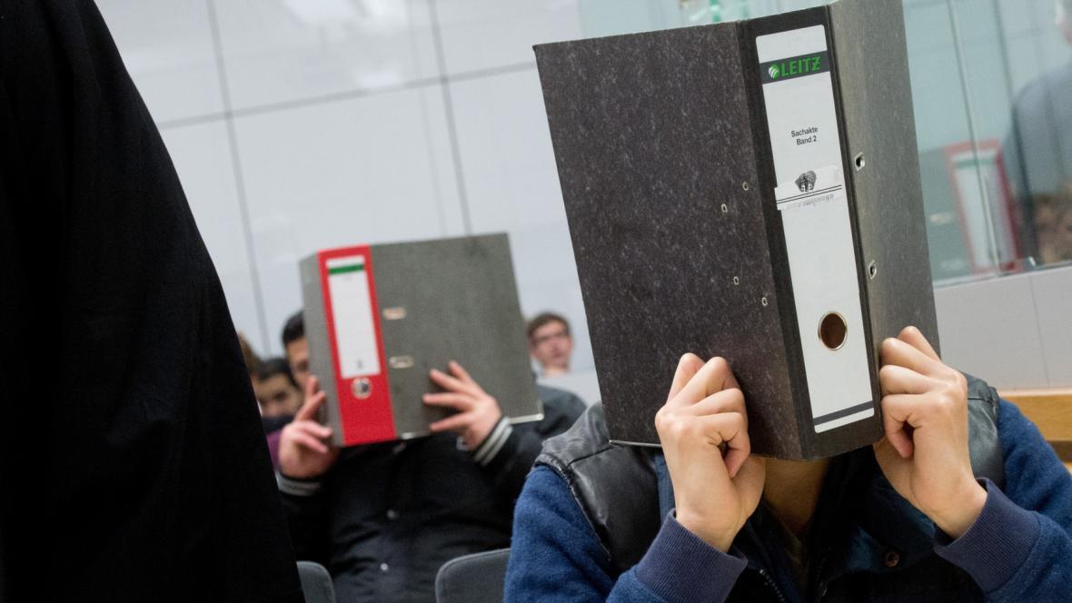 Dva navrátilci ze Sýrie u německého soudu