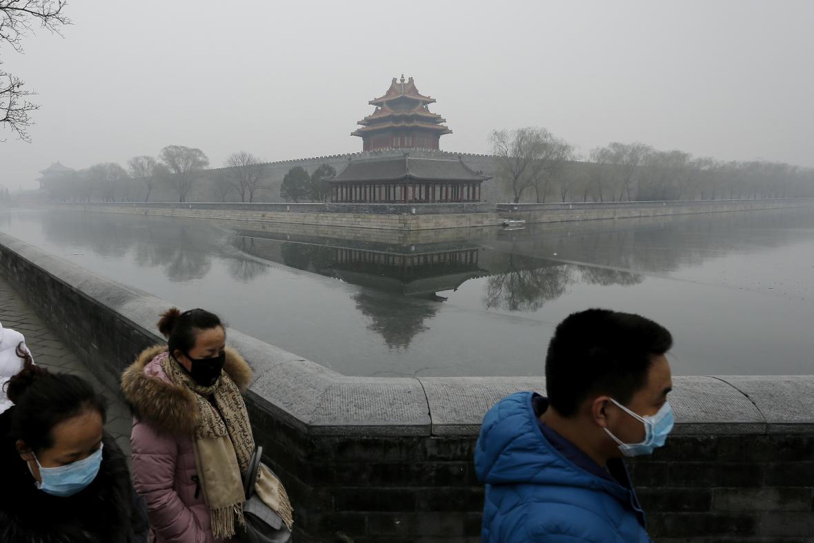 Peking v zajetí smogu