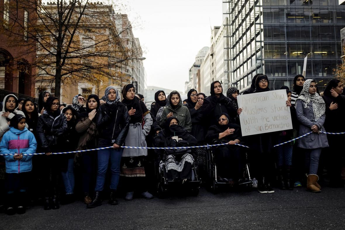 Muslimové ve Washingtonu protestují proti Islámskému státu