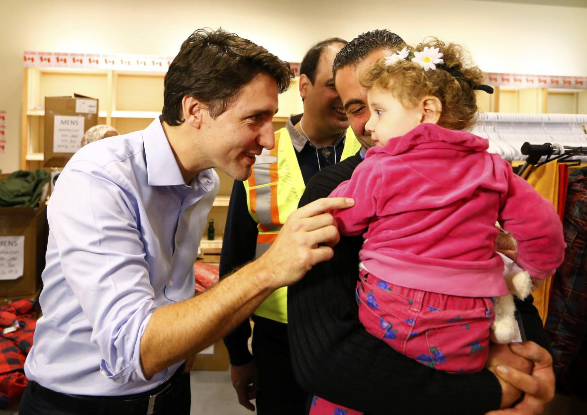 Justin Trudeau vítá na letišti syrské uprchlíky