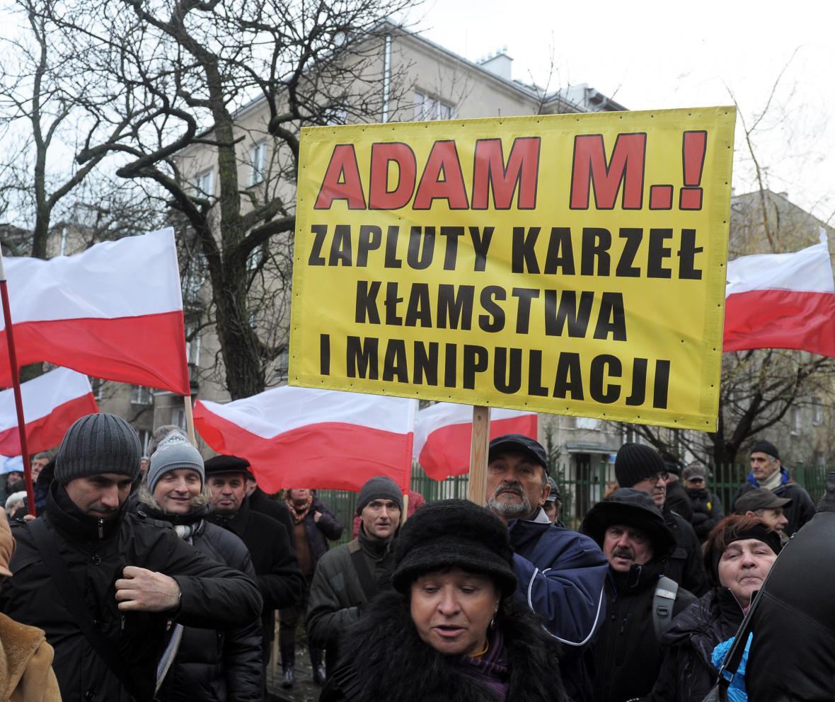 Protest konzervativců proti deníku Gazeta Wyborcza