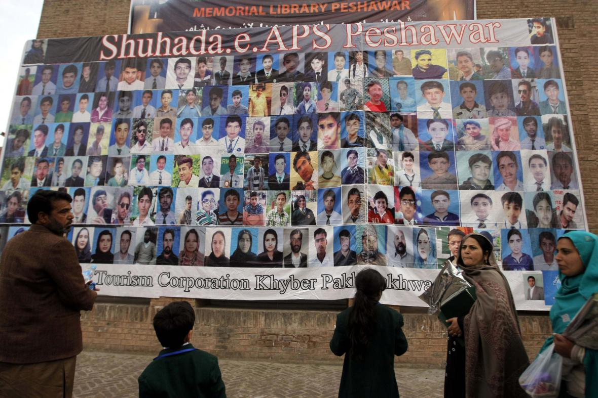 Rok od útoku v Péšávaru