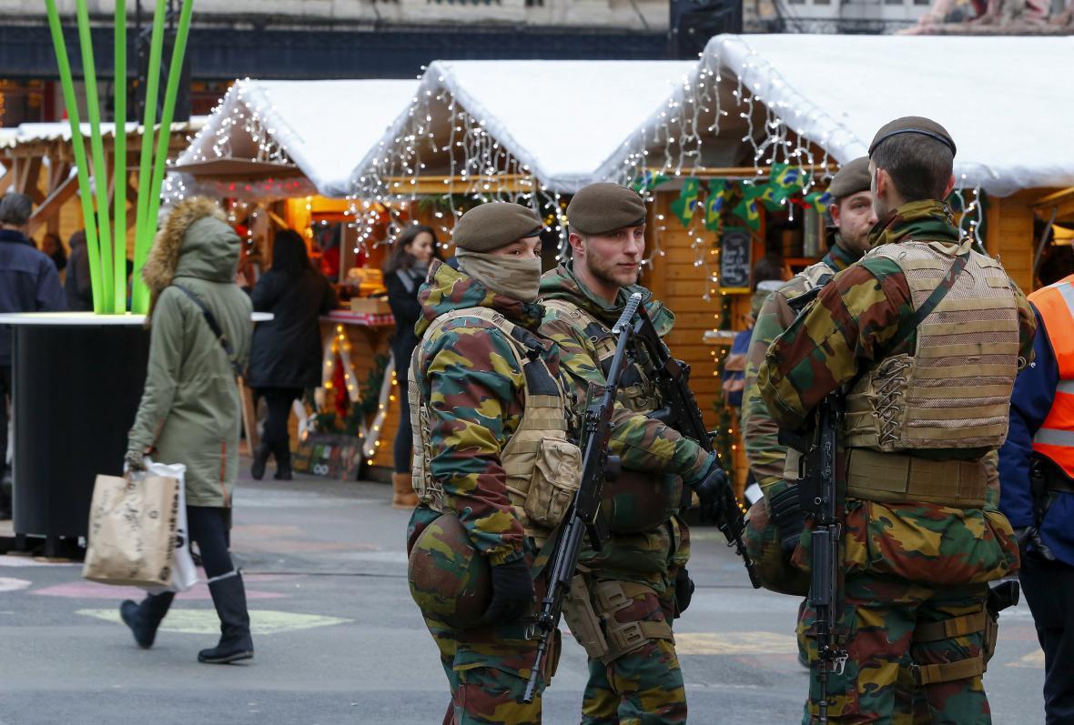 Vojáci v ulicích Bruselu
