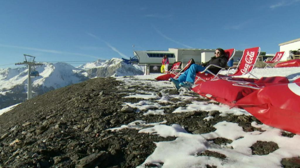 Mizející sníh z horských středisek