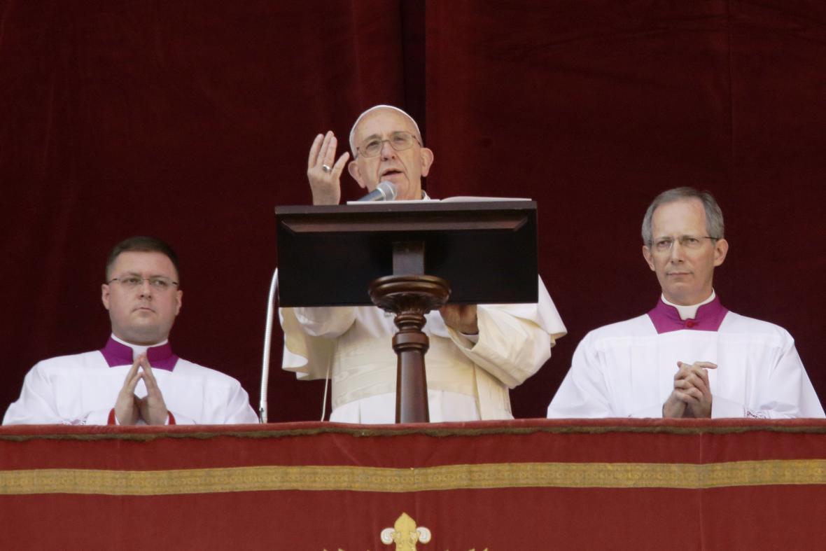 Papež František pronáší tradiční poselství Urbi et Orbi (Městu a světu)